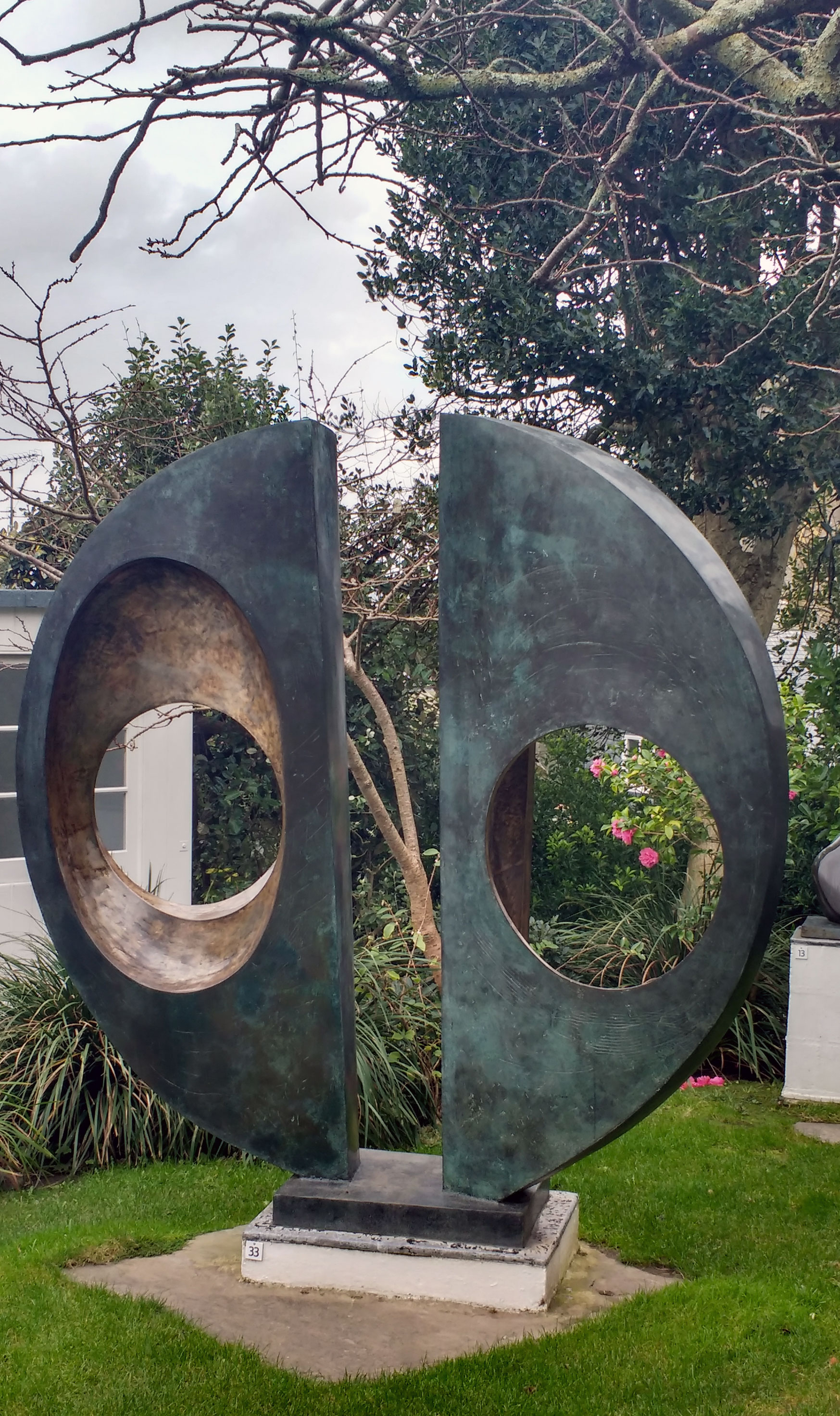 garden-statue-web